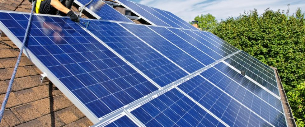 دورة إستخدام الأدوات الحديثة لتصميم والتنبؤ بالطاقة المتدفقة من الألواح الشمسية